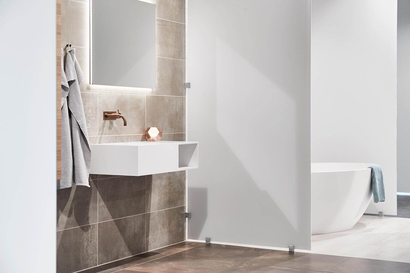 Backlight spejl til dit badeværelse