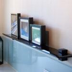 En funktionel iPad-hylde i glas fra J.N. Bech