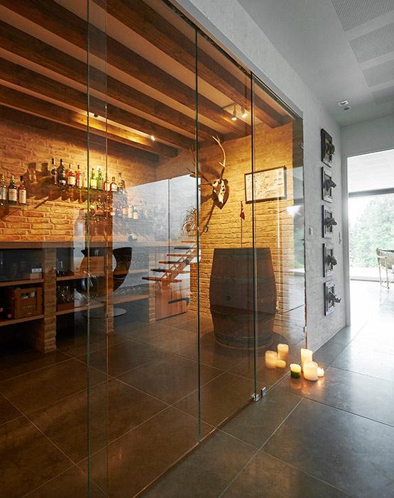 Skydedøre til Vinrum i Klar Glas